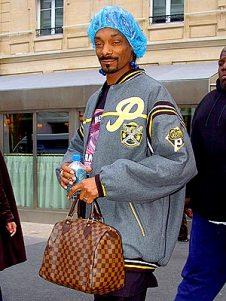 Snoop Dogg in a shower cap